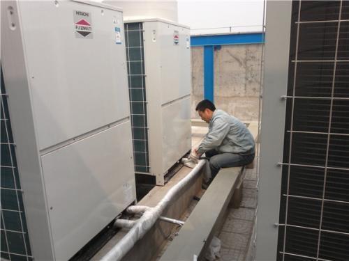 如何使用不同的清洁剂来进行石家庄中央空调清洗?